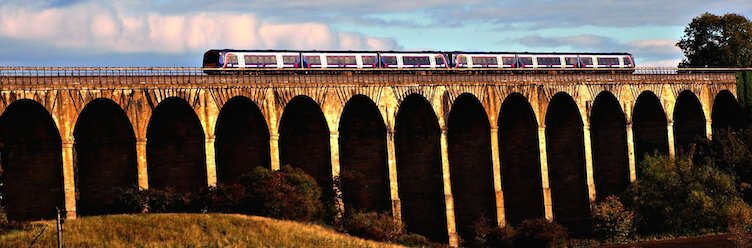Scotland theatre breaks to London by train